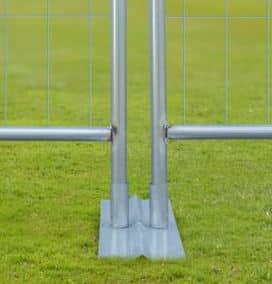 Opsætning af hegn. Tilbehør til flytbare hegn