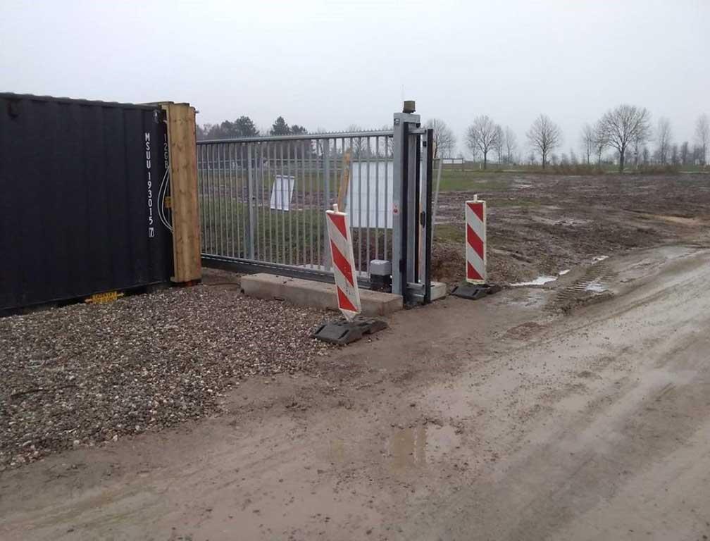 Skydeport til mobilhegn og byggehegn. Danmarks måske billigste priser